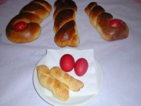 Paasbrood - geverfde eieren