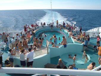 Zwemmen op de boot