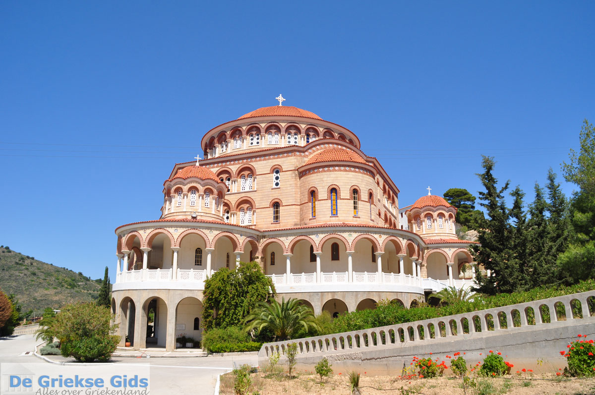 foto Agios Nektarios | Aegina | De Griekse Gids foto 9