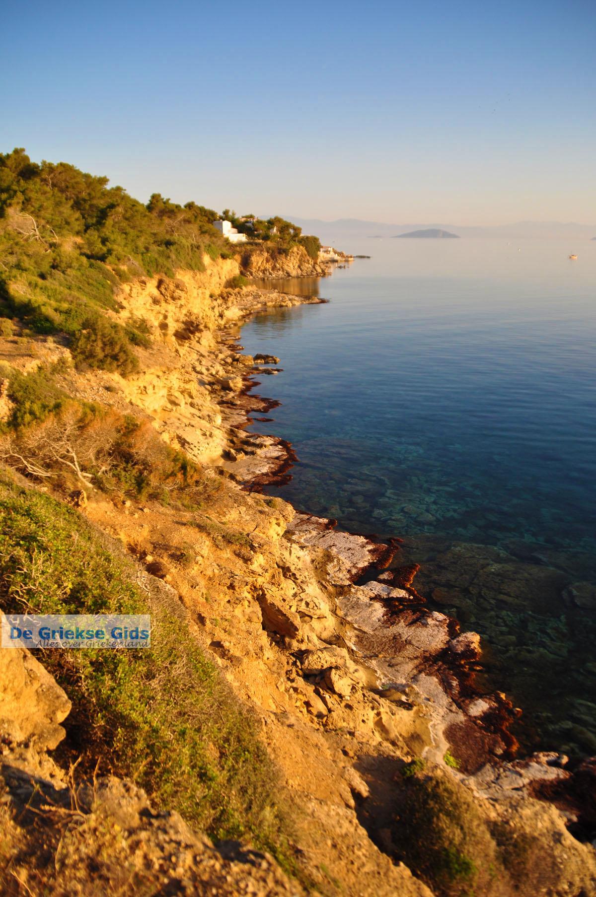 foto De grillige kust van Agkistri | Griekenland 2