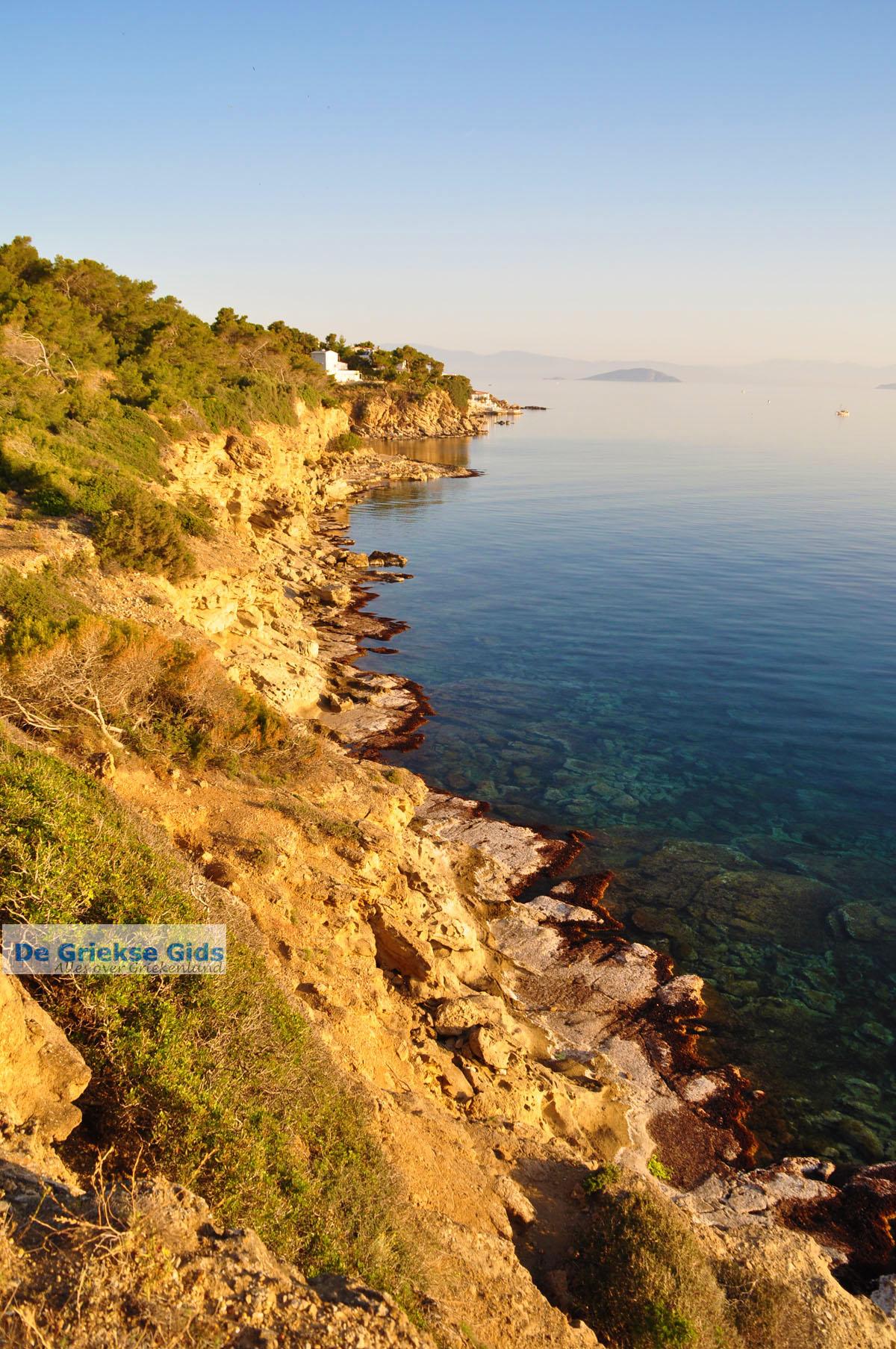 foto De grillige kust van Agkistri | Griekenland | De Griekse Gids foto 3