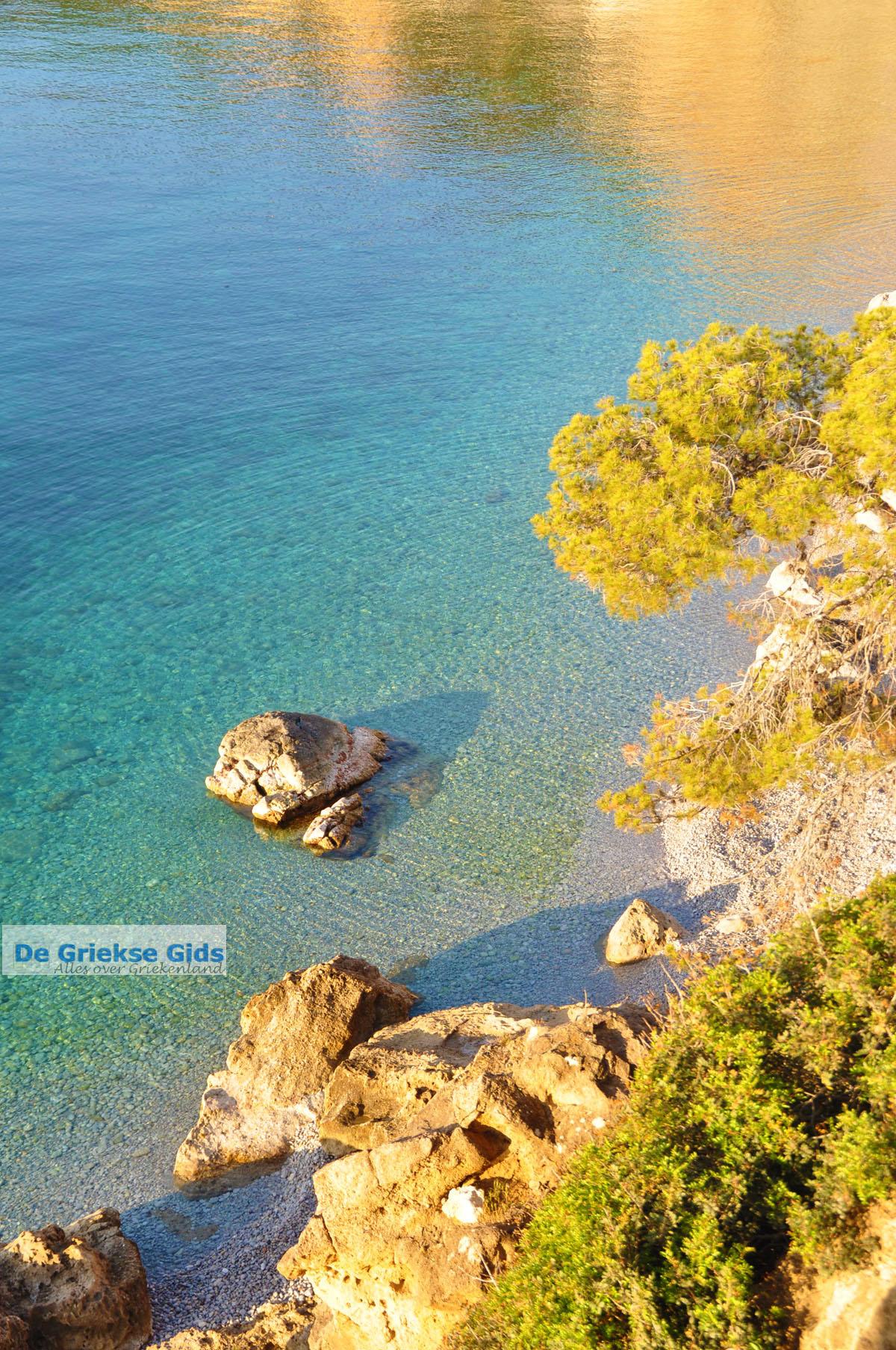 foto De grillige kust van Agkistri | Griekenland 7