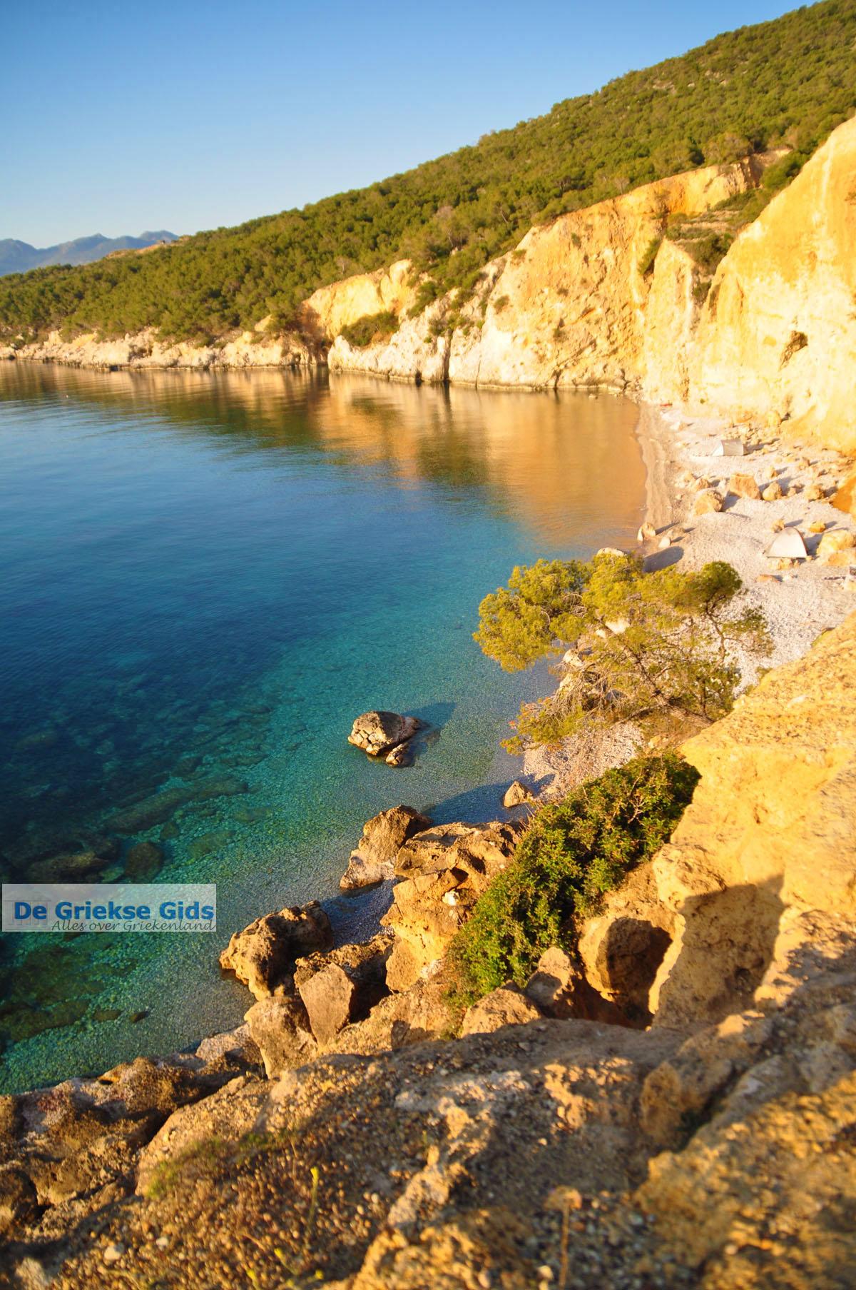 foto De grillige kust van Agkistri | Griekenland | De Griekse Gids foto 8
