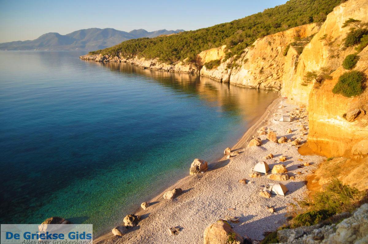 foto De grillige kust van Agkistri | Griekenland 9