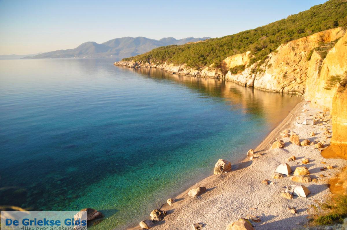 foto De grillige kust van Agkistri | Griekenland 11