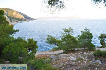Rotsachtige kust bij Limenaria   Agkistri Griekenland   Foto 3 - Foto van De Griekse Gids