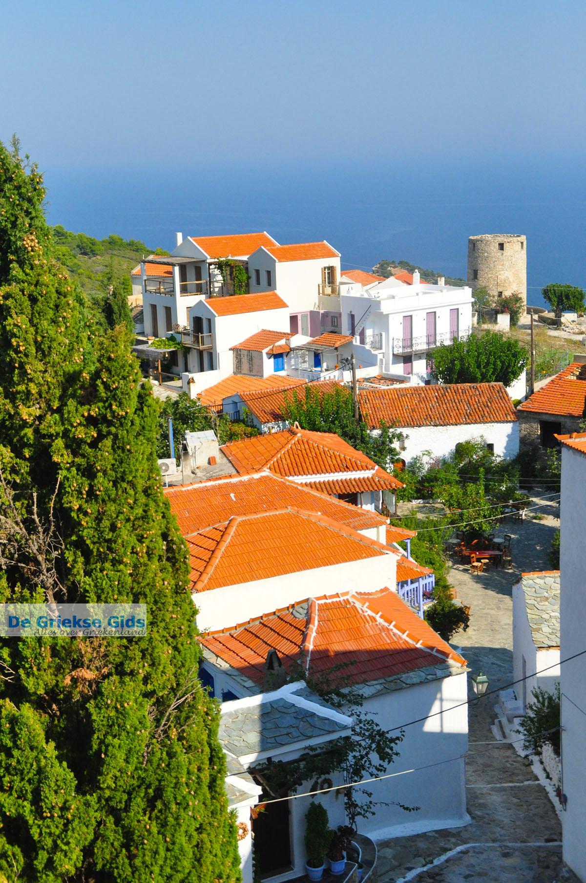 foto Alonissos stad (Chora) | Sporaden | De Griekse Gids foto 101