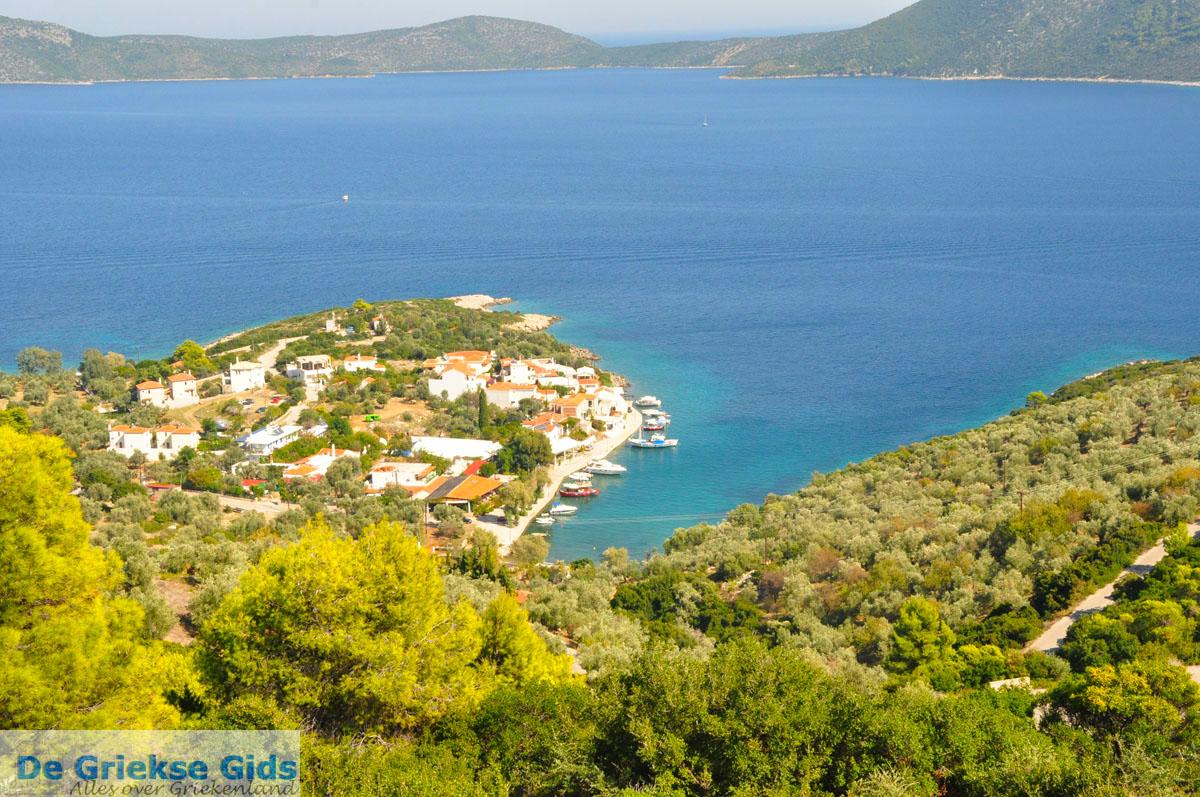 foto Steni Vala, aan de overkant Peristera | Alonissos Sporaden | De Griekse Gids foto 1