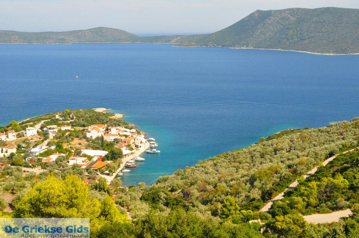 foto Steni Vala, aan de overkant Peristera | Alonissos Sporaden | De Griekse Gids foto 2