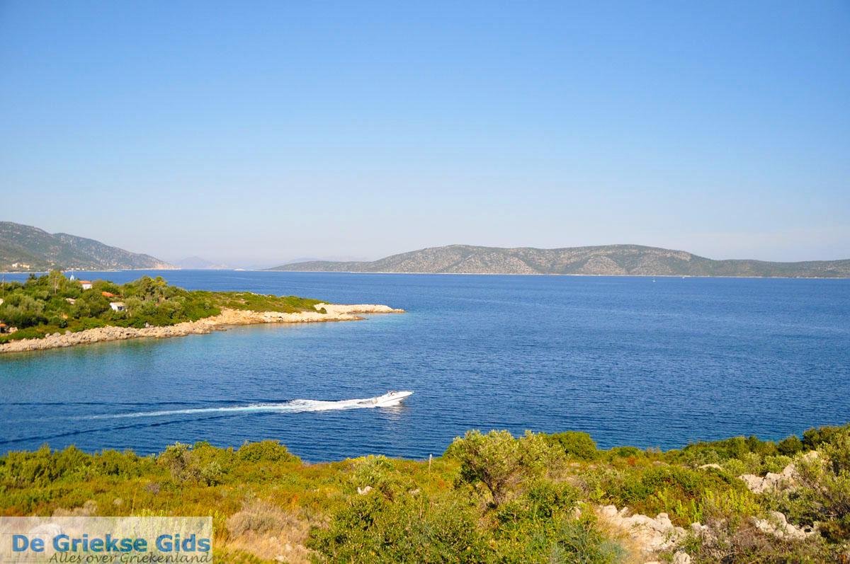 foto Steni Vala, aan de overkant Peristera | Alonissos Sporaden | De Griekse Gids foto 5