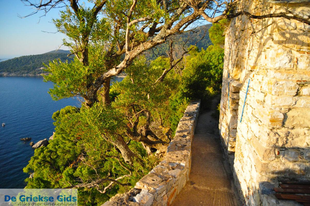 foto Agioi Anargiri Klooster | Alonissos Sporaden | De Griekse Gids foto 8