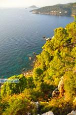 Uitzicht vanaf Agioi Anargiri klooster | Alonissos Sporaden | De Griekse Gids foto 1 - Foto van De Griekse Gids