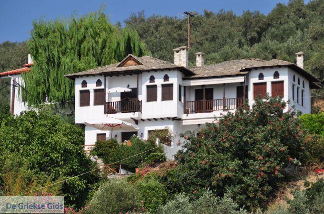 Typisch Pilion huis in de gemeente Afetes