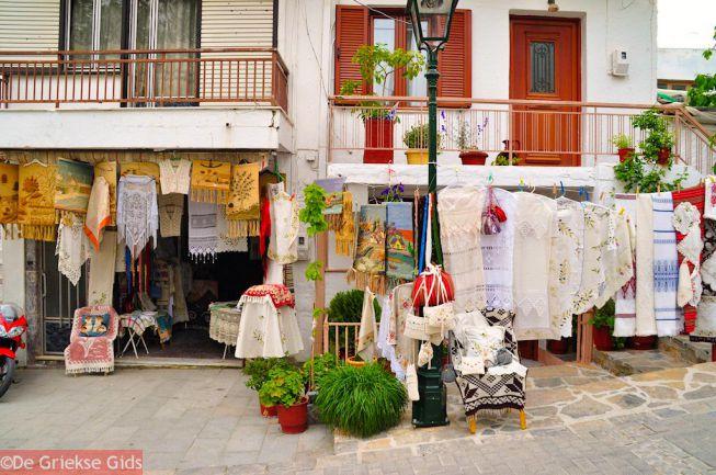 Souvenirwinkel met handwerk op Kreta