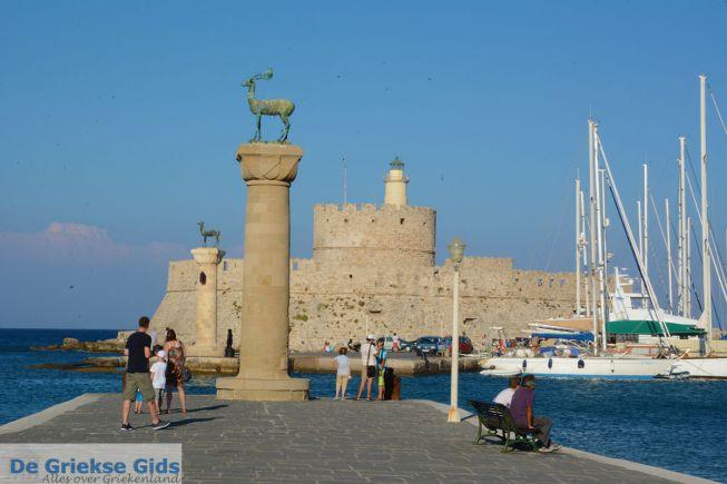 Mandraki haven Rhodos stad Hert en Hinde
