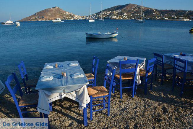 Alinda Leros, terrasje op strand
