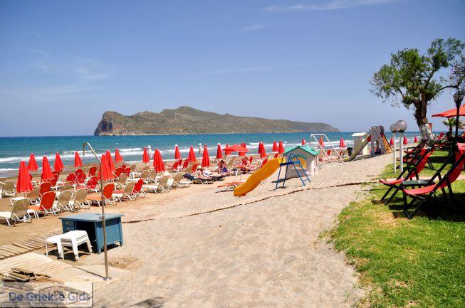 Het strand van Agia Marina Chania Kreta