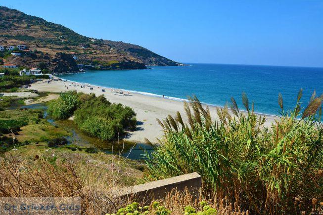 Strand bij Evdilos Ikaria