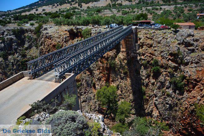 Kloof en brug Aradena Kreta