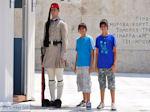 Athene Parlement - De wacht foto 10 - Foto van De Griekse Gids