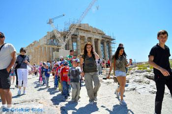 Schoolkinderen Parthenon Akropolis in Athene | De Griekse Gids foto 1 - Foto van https://www.grieksegids.nl/fotos/athene/normaal/athene-attica-atheenseriviera-183.jpg