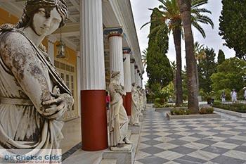Agios Gordis - Agios Gordios Corfu 0001 - Foto van https://www.grieksegids.nl/fotos/corfu/2019/normaal/achilleion-corfu-2019-002.jpg