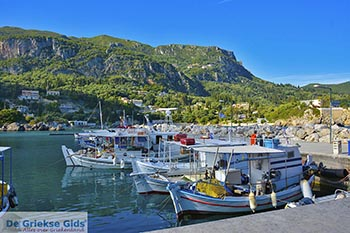 Paleokastritsa Corfu 0108 - Foto van https://www.grieksegids.nl/fotos/corfu/2019/normaal/paleokastritsa-corfu-2019-003.jpg