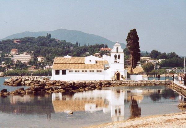 Deze foto is genomen op Corfu, bij Paleokastritsa door  Annette Wentholt.