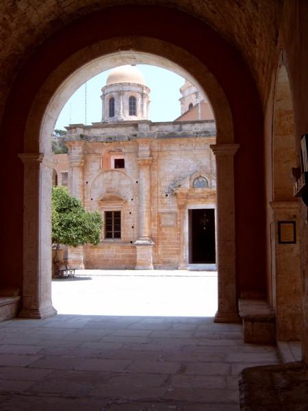 Moni Tzagarolou entree (Kreta)  Foto van W.de Bree