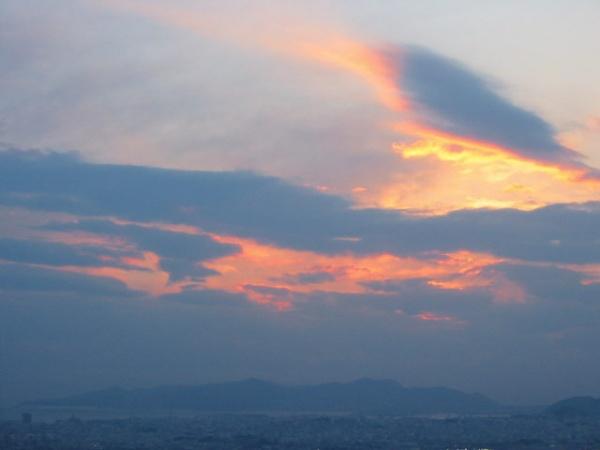 Gekleurde wolken bij Athene