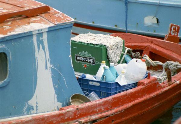 Heineken kratje op vissersboot Karpathos