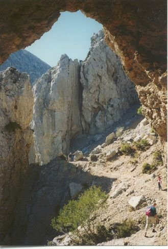 Op weg naar de top van de Gingilos, Kreta Foto: Riet de la Mar