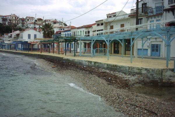 Samos in de winter, de lege terrassen van Kokkari  - Foto: Renée Mof