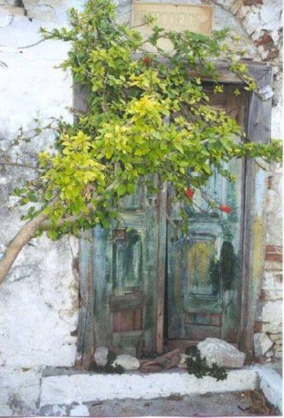 De oude ingang van de bakkerij op Pythagorion, Samos Foto: René Sterkenbrug