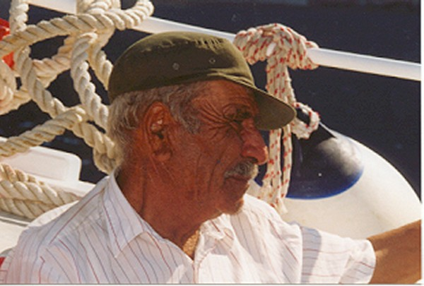 Met schipper Yannis op weg naar Saria, onbewoond eilandje bij Karpathos