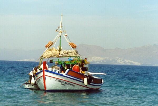 Vissersbootje Kos vanaf Tigakistrand