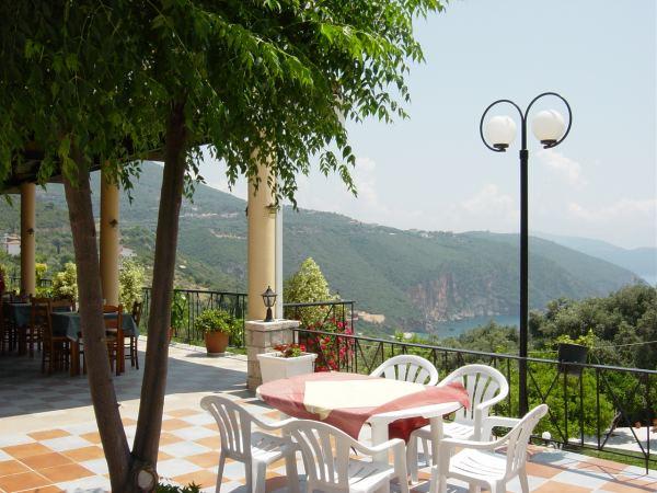 Prachtig uitzicht van balkon Parga