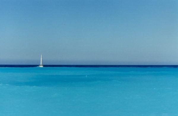 Zeilboot in prachtige zee Zakynthos