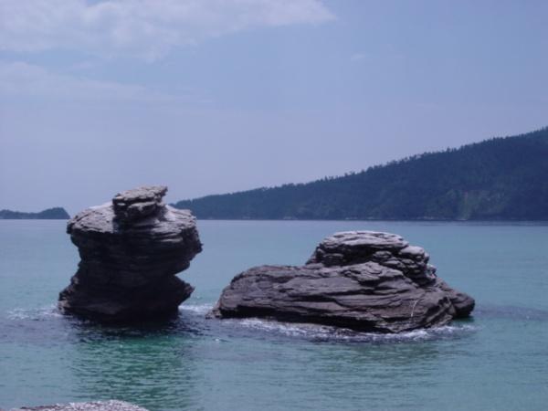 Rotsen in de zee van Thassos