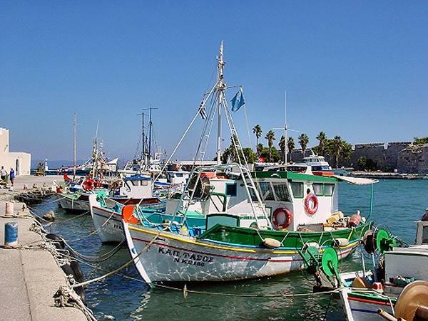 Kleurrijke scheepjes in Kos haven