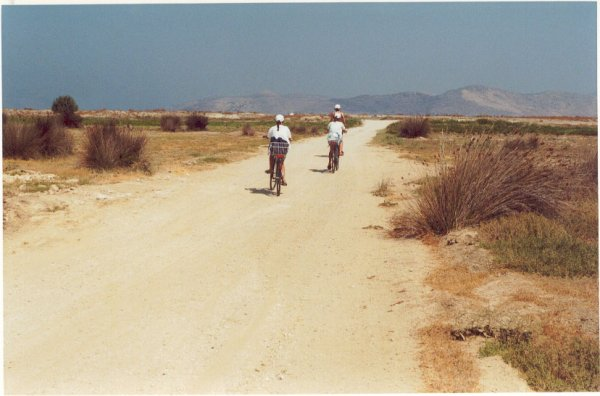 Op weg naar het zoutmeer in Tigaki, Kos