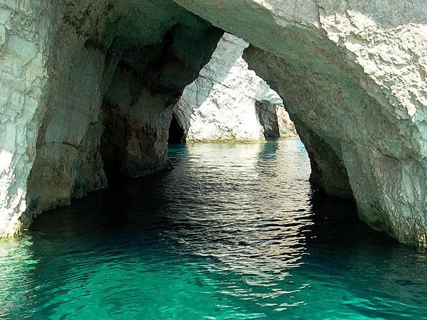 Blue cave op Zakynthos