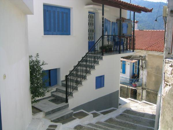 Samos - straatje in Manolates