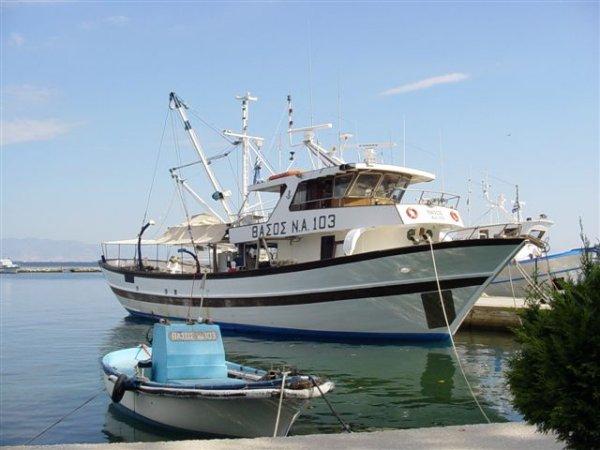 Vissersbootjes Rhassos - Foto John Valster