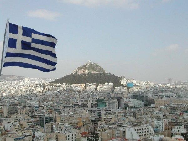 Lycabettus - Griekse vlag in Athene - Foto van Sofie Schollaert