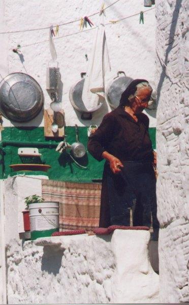 Oude dame - typisch Chios. Foto: Adri Zellenrath