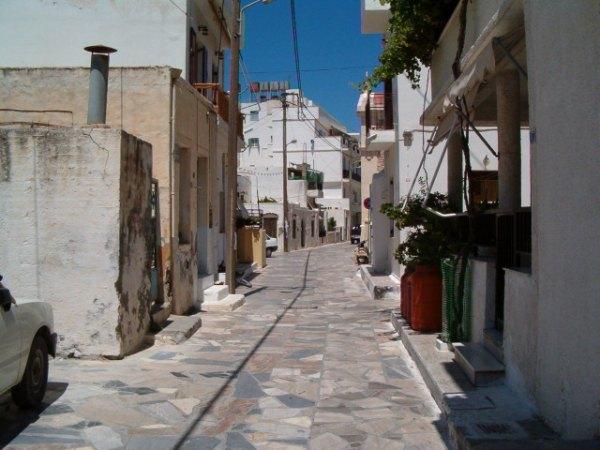 Straatje in Ierapetra, Kreta. Foto van Fam van de Reyen