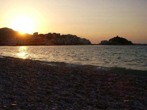 Kokkari zonsondergang(Samos) - Foto W. Morsink