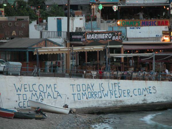 Welcome to Matala, Kreta. Foto van Mieke Zebregs