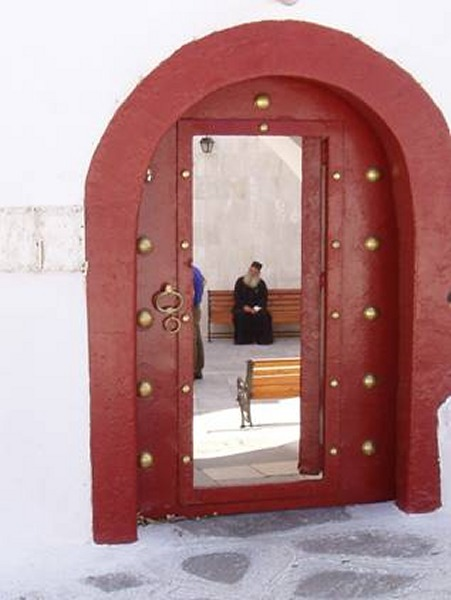Mykonos klooster Ano Mera. Foto van Marion Hazeleger